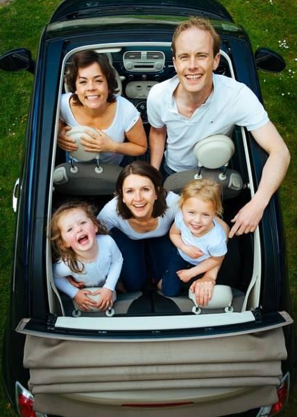 מכונית משפחתית
