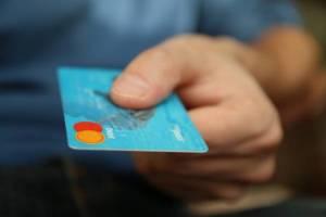 עמלות כרטיסי האשראי