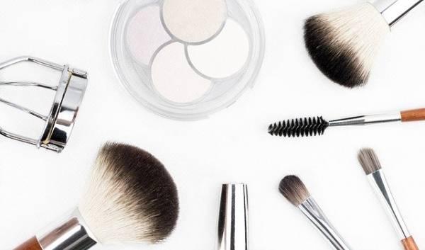 מוצרי איפור המתאימים לעור הפנים