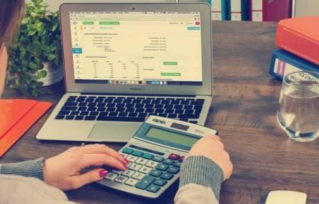 מחיקת חובות בהליך פשיטת רגל – המדריך המלא