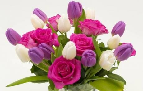 איך לבחור זר פרחים ליום הולדת