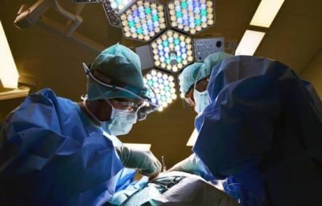 ניתוח פלסטי באף – הסכנות שצריך לקחת בחשבון