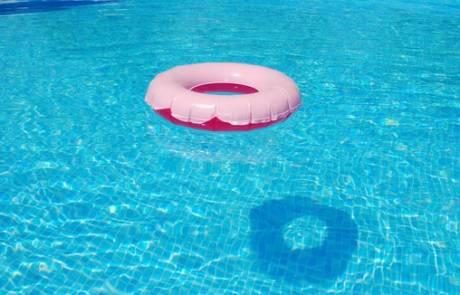 שומרים על חום הבריכה