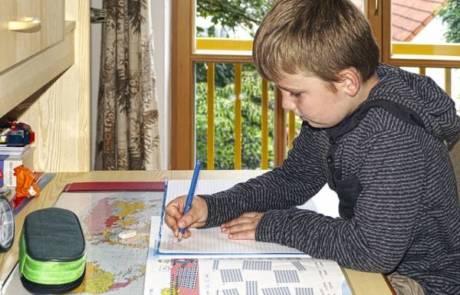 5 טיפים לבחירת שולחן כתיבה לתלמיד