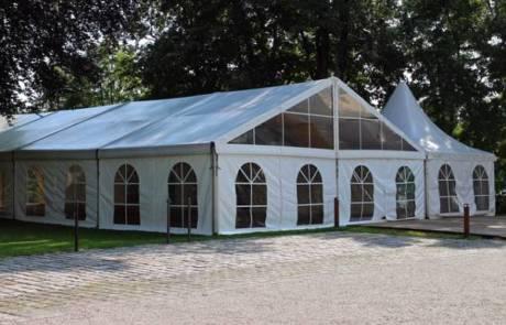 אוהלי אבלים ישמרו על האורחים שלכם ממזג האוויר